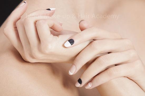 www.bloos-academy.de