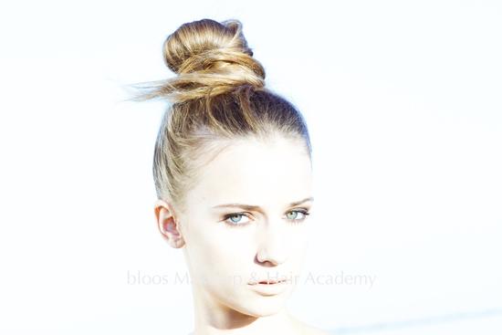 bloos bloos Make-up & Hair Academy, München Fotoshootings, Ausbildung Make-up Artist, beste Ausbildung, Visagisten, MUA, Markus Thiel, Make up for ever, Model, Hairstyling, schminken lernen