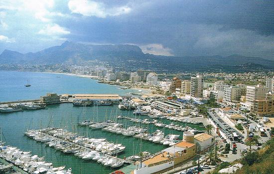 Puerto y ciudad de Calpe, Alicante (Comunitat Valenciana)