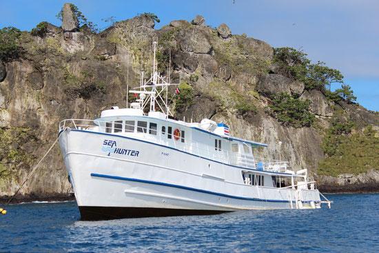 Schiff Seahunter auf der Kokosinsel