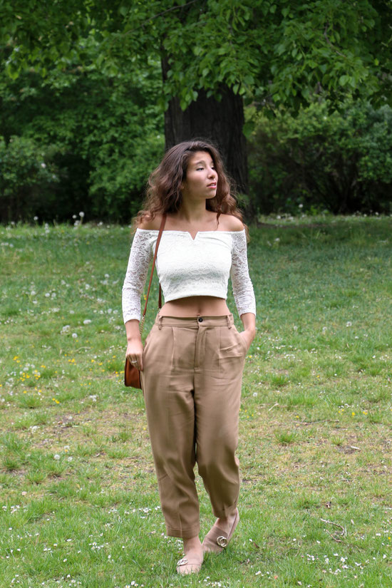 Crop Top, Spring Outfit, Curly Hair, Carmen Schubert