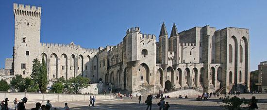 Wikipedia: Papstpalast in Avignon von Jean-Marc Rosier from http://www.rosier.pro