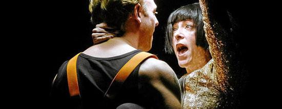 Ella Gaiser als Dora und Ilja Niederkirchner als Stepan. Foto: Joachim Dette