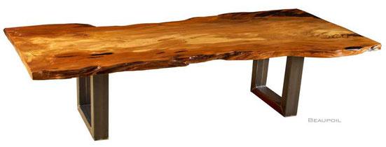 Großer Esstisch aus naturmarkantem Kauri Holz, außergewöhnlicher Unikat Holztisch