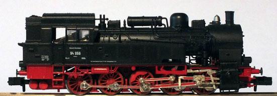 Die Baureihe 94 der Epoche ll  mit maßstäblichen Rädern .