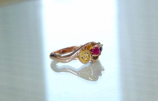 バラの手作り婚約指輪