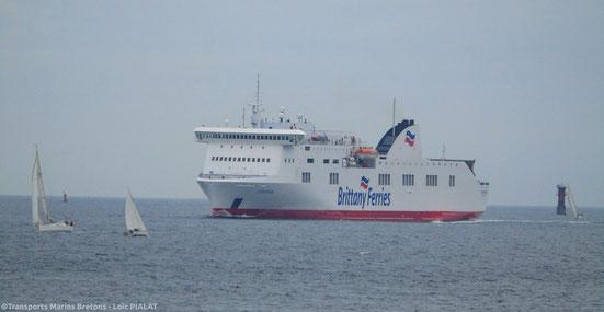 M/V Connemara, affrété pour une durée initiale de deux ans par Brittany Ferries, arrivant au port de Brest.