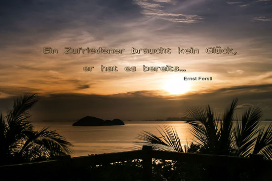 spruchkarte-ein-zufriedener-sonnenuntergang-am-meer-sunsetbar-koh-phangan