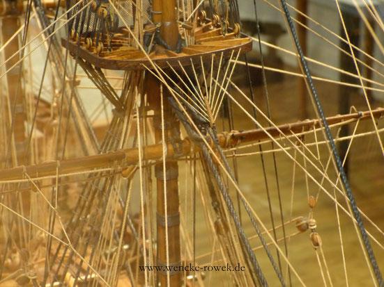 Takelage von einem Schiffsmodell
