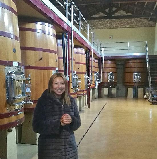 Verónica, de Bodegas El Mustiguillo, nos enseñó el complejo vitivinícola de Utiel.