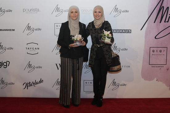 v. links Hanan Hamdaoui, Fatima Hamdaoui