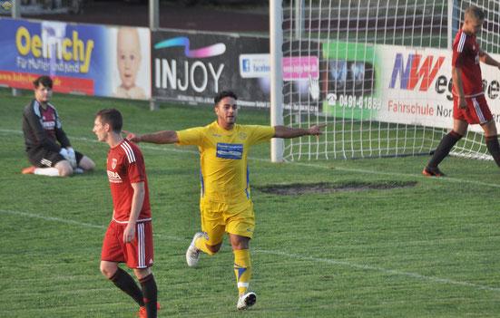Ein Bild, das es gleich dreimal am Freitagabend gab: Nikky Goguadze dreht jubelnd ab, während die TuRaner nur frustriert den Ball aus dem Netz holen können.