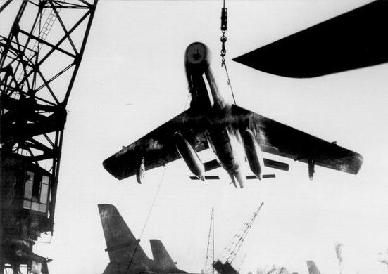 Débarquement d'un F-84F