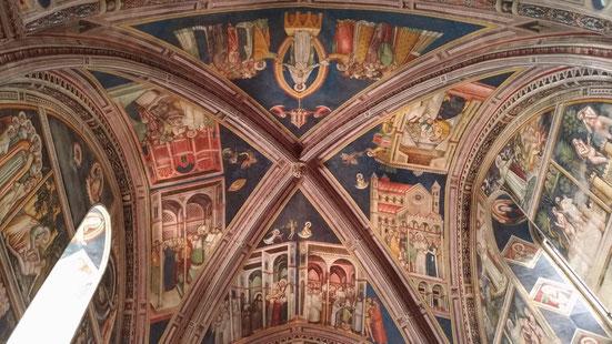 Gli affreschi della chiesa