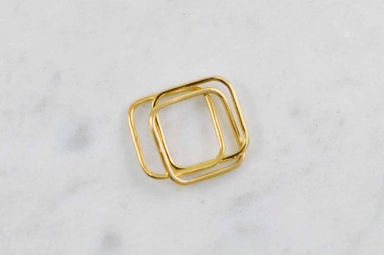 Bague Q02 composée de 3 anneaux carrés en or jaune 18 carats