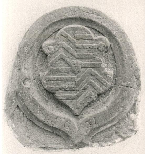 Wappen der Grafschaft Hanau-Münzenberg im Sockel des Historischen Rathauses, Foto: Michael Voget, 1989