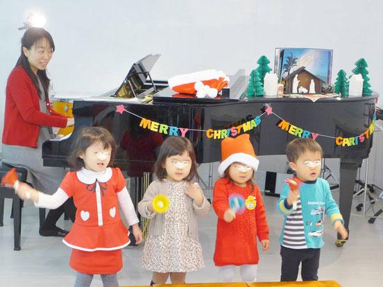 幼児教室クリスマス・ハンドベル演奏