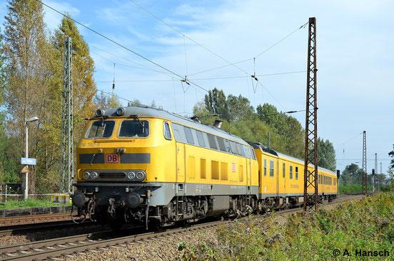 Am 18. September 2014 schiebt die Lok den Schienenprüfzug 1 durch Leipzig-Thekla
