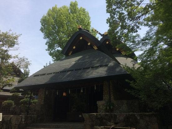 石切神社上之宮「登美霊社」(筆者撮影)