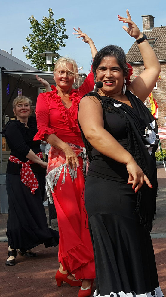 Oogstdankfeesten Berg aan de Maas - Studio España - Patricia Pardo- Oud-Geleen - Antiguo-Geleen - Spaanse conversatieles -Spaanse les - Flamenco les - Limburg - Sittard - Awt-Gelaen