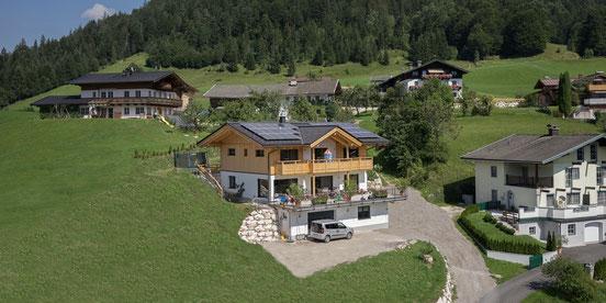 Einfamilienhaus Holzhaus modern Holzbau Herbst Unken Pinzgau Salzburg