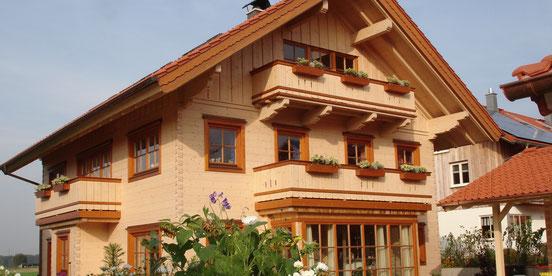 bio blockhaus 3-stöckig Holzbau Herbst Österreich Deutschland