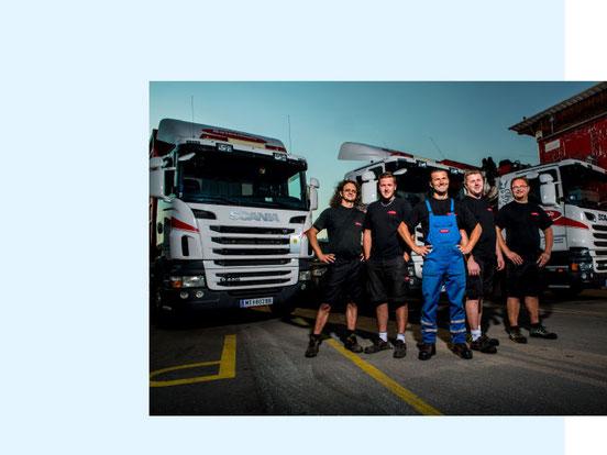 Wolfgang und Stefan Beinschab mit dem Transport bzw. Containerteam