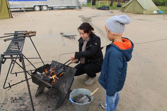 CAMP on PARADE グランドツアー 焚き火 ホットサンド