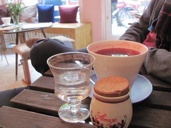 Blåbärsoppa im Café Valentin in Berlin