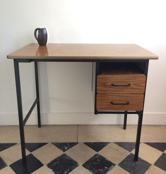 bureau formica, table années 60, table Pierre Paulin, table métal et formica