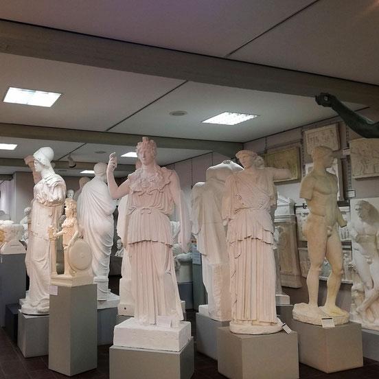 Statuen in der Abguss-Sammlung Antiker Plastik
