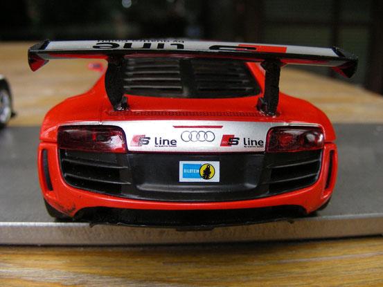 """...und der Audi R8 von """"Team Rot""""..."""