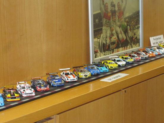 Eine kleine Auswahl der ausgestellten Fahrzeuge.