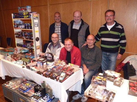"""Das Dream-Team der """"Slotracing-Freunde Sandbergring"""" auf der """"Slotmania""""."""