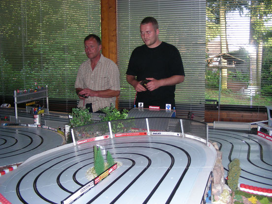 Robby und Daniel testeten als erste die Strecke...