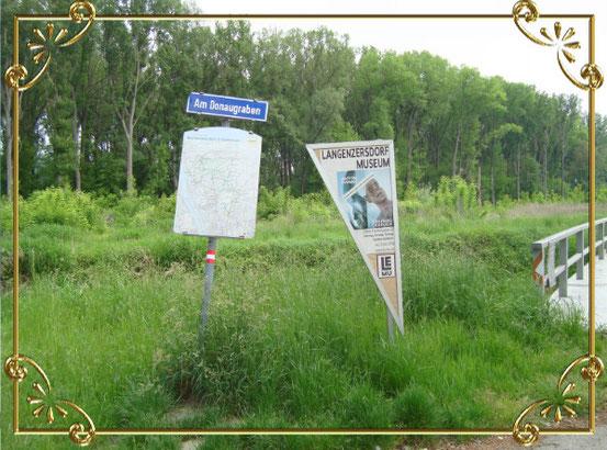 Wegweiser am Treppelweg zum Langenzersdorf Museum (Bildklick)