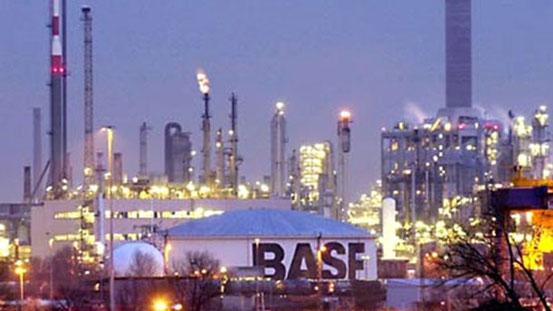 Der Verbund ist eine Stärke der BASF. Hier schafft sie Wert als ein Unternehmen, indem die Ressourcen effizient genutzt werden. (Bild: BASF)