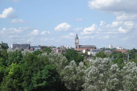 Ansicht von Lens (Maitre So). Lens ist eine französische Stadt mit 32.663 Einwohnern (Stand 1. Januar 2012) im Département Pas-de-Calais in der Region Nord-Pas-de-Calais 200 km nördlich von Paris und 35 km südlich von Lille (Wikipedia)