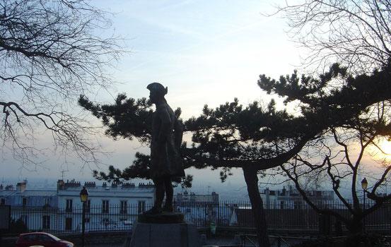 Statue des Jean-François Lefèbvre, Chevalier de la Barre, am Montmartre (Foto: Wikipedia)