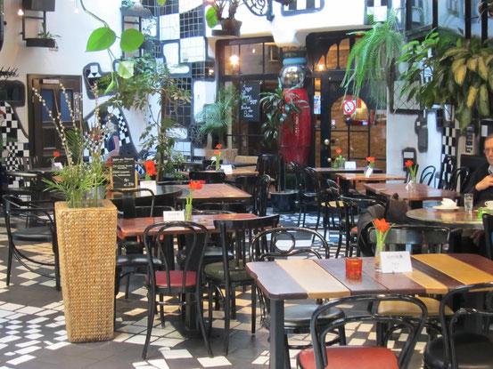 Café-Restaurant 'Dunkelbunt' im Kunsthaus Wien, 1030 Wien, Untere Weißgerberstraße 13