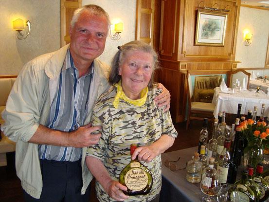 Mit Franzi am 13.05.2015 im Donaurestaurant Tuttendörfl anlässlich des Muttertages. Den Vintage-Cognac Armagnac aus dem Jahre 1934 haben wir verkostet.