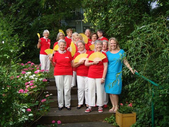 Gruppenfoto mit Hausleiterin Sabine Strobl-Heinrich
