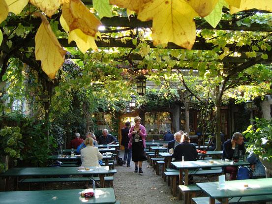 Gastgarten des Heurigen Georg Sommerbauer, Hochstraße 78, 2380 Perchtoldsdorf