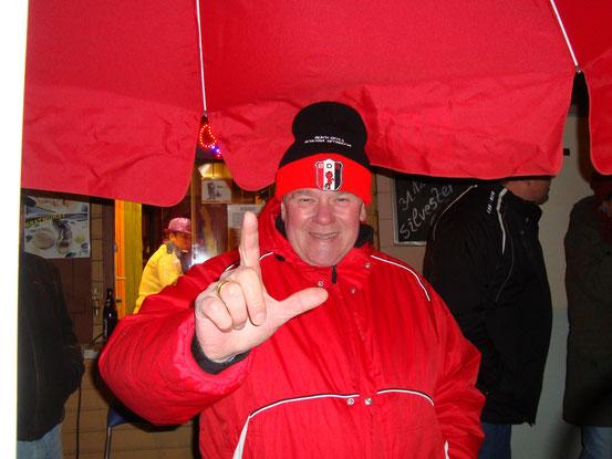 Heinz Peter alias DJ Heinz, Besitzer des Altwiener Würstelstandes