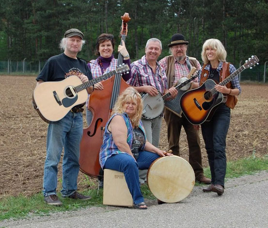 Die Band 'Roughroad' mit Acoustic Country-Bluegrass-Folk-Music