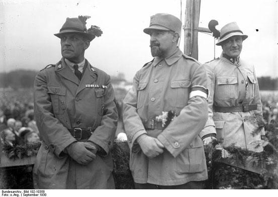 Richard Steidle (Mitte)