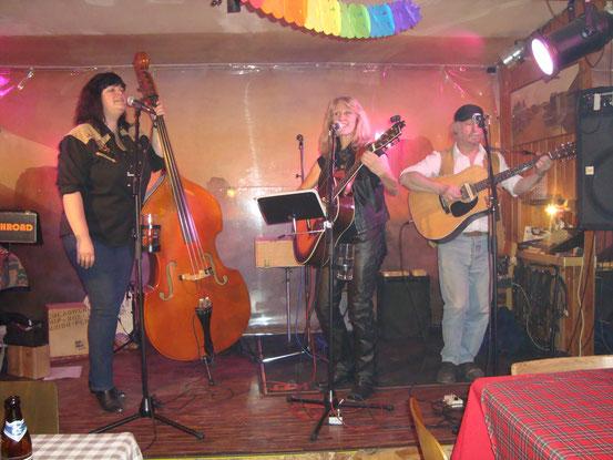 Sissi, Barbara und Richie mit einem Song als Trio