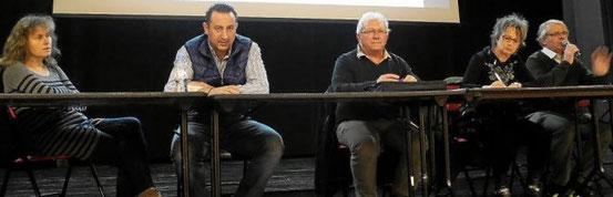 De gauche à droite : Marie-Paule Héliès, secrétaire adjointe ; Marc Sarda, trésorier adjoint ; Alain Verdeaux, trésorier ; Maryse Houssais, secrétaire, et Robert Ogor, président, membres du bureau du Locmaria vélo-club.