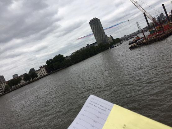 2018年7月10日 ロンドン、ヴォクソール橋(SIS本部ビル近辺)からテームズ川北岸を望む