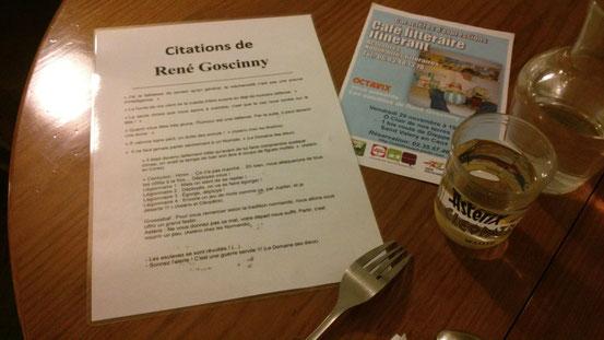 Sur la table, citations et même le verre couleur Goscinny